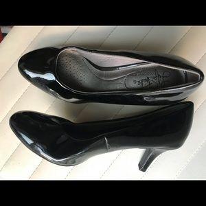 LifeStride Black Patent Leather Heels
